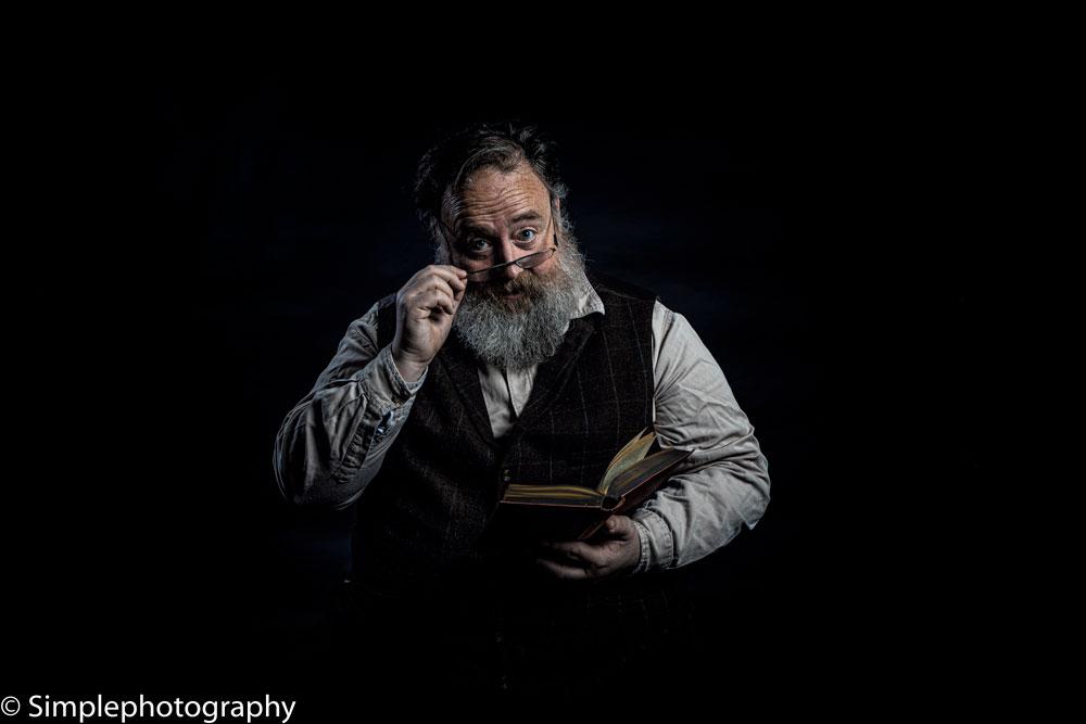 View member Gav Cross: Storyteller